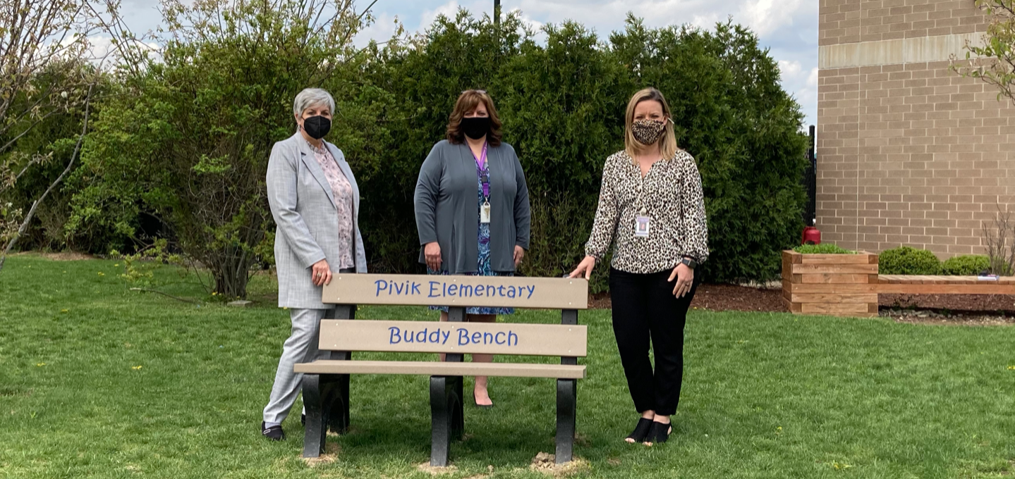 Pivik Elementary School has been given a buddy bench for its students, offering healthy social and emotional benefits. The donation has the potential to increase friendships and eliminate loneliness.  A buddy bench functions as a tool for students to expr