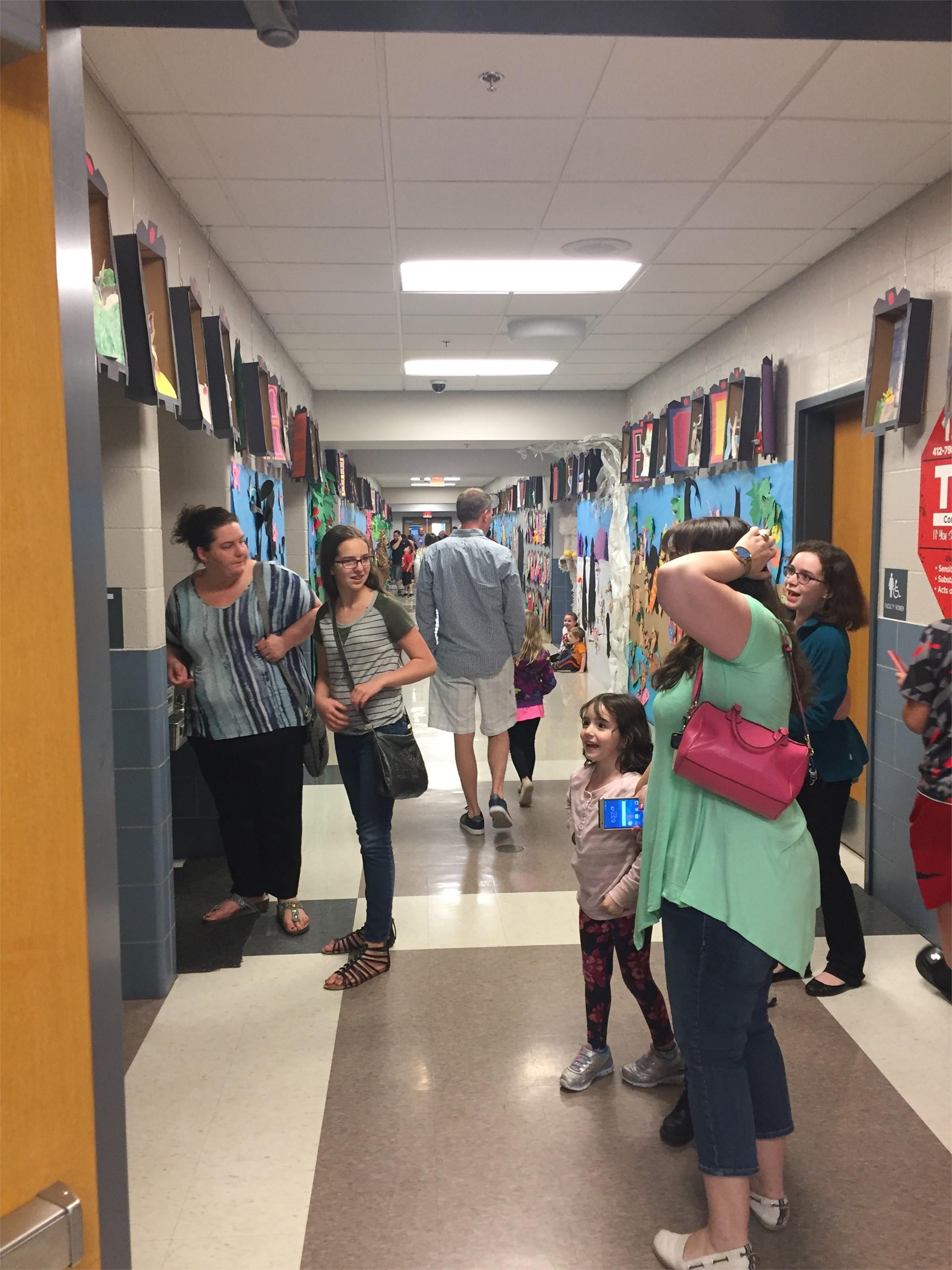 Pivik hallway